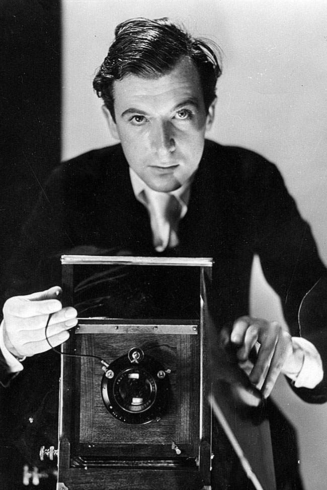 Cecil-Beaton-self-portrait-Vogue-6Nov14The-Cecil-Beaton-Studio-Archive-at-Sothebys_b