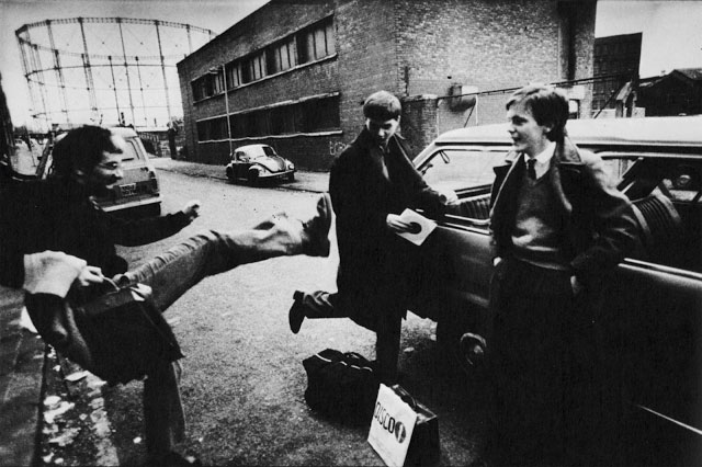 Foto: ©Anton Corbijn, Rob Gretton, Ian Curtis, Bernard Sumner, Manchester, 1980/enkiri.com