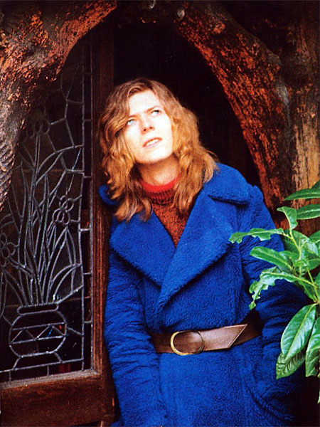david-bowie-1971_blue_coat_garden