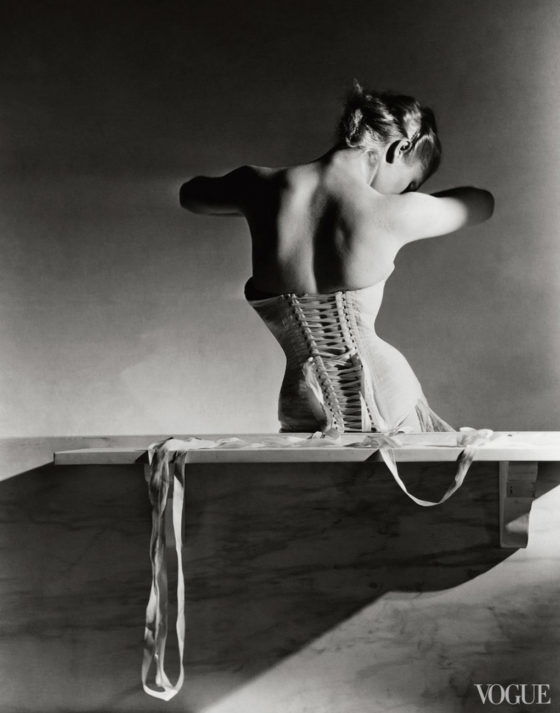 photographed-by-horst-p-horst-vogue-september-1939